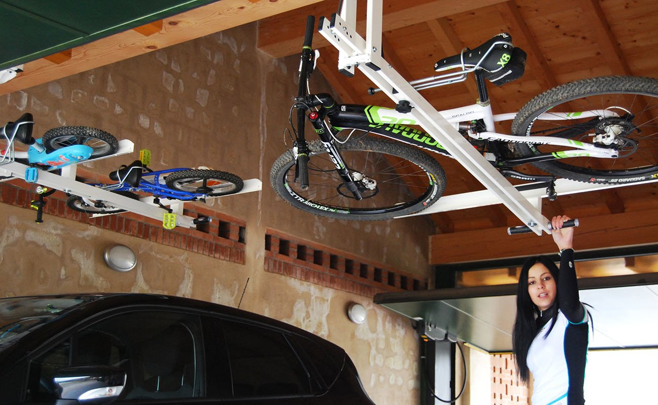 portabici da soffitto per bici bambino flat bike lift. Black Bedroom Furniture Sets. Home Design Ideas